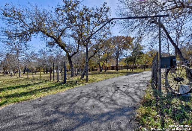 852 Shady Grove Ln, Adkins, TX 78101 (MLS #1427632) :: Reyes Signature Properties