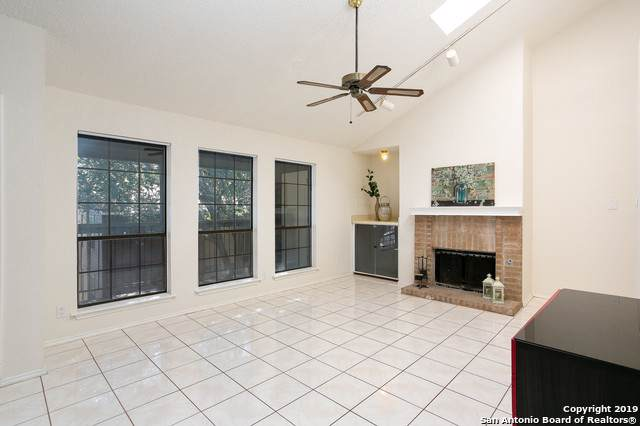 8633 Datapoint Dr #232, San Antonio, TX 78229 (MLS #1427637) :: Alexis Weigand Real Estate Group
