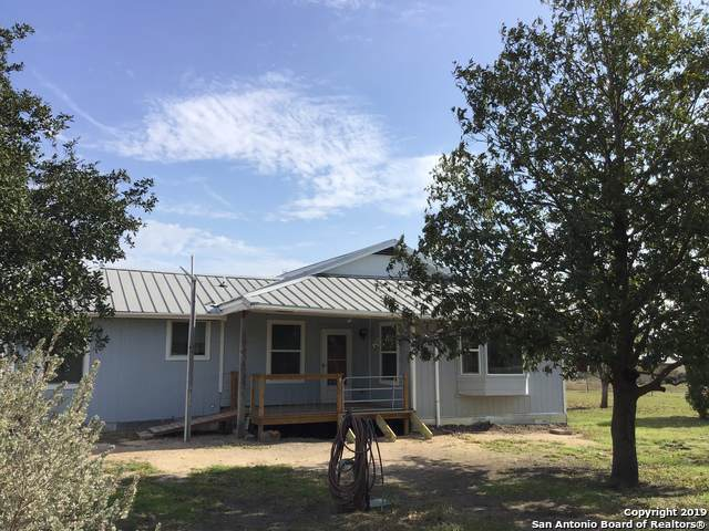 1057 Marion Rd, Marion, TX 78124 (MLS #1427678) :: Alexis Weigand Real Estate Group