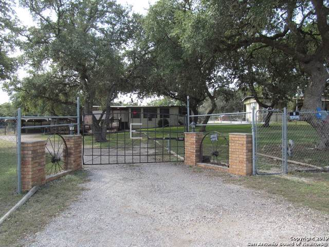 1328 Highview St, Canyon Lake, TX 78133 (MLS #1427757) :: The Heyl Group at Keller Williams