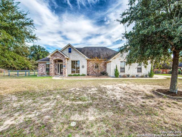 321 Rose Garden Dr, La Vernia, TX 78121 (MLS #1427779) :: Alexis Weigand Real Estate Group