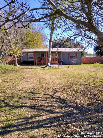 231 Woodcreek Circle, McQueeney, TX 78123 (MLS #1427819) :: Legend Realty Group