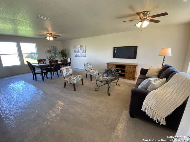 714 Northern Lights Dr, New Braunfels, TX 78130 (MLS #1427886) :: The Gradiz Group