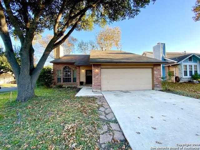 8012 Forest Crossing, Live Oak, TX 78233 (MLS #1427993) :: Reyes Signature Properties