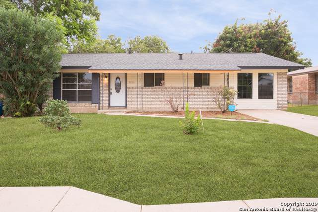 1655 Lone Oak Ave, San Antonio, TX 78220 (MLS #1428001) :: BHGRE HomeCity