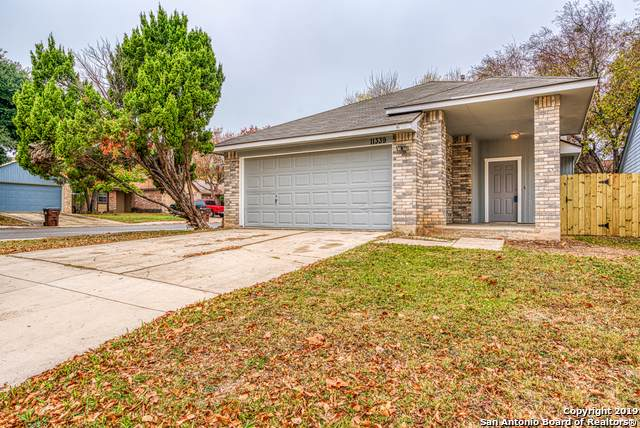 11339 Jarbo Pass Dr, San Antonio, TX 78245 (MLS #1428040) :: BHGRE HomeCity