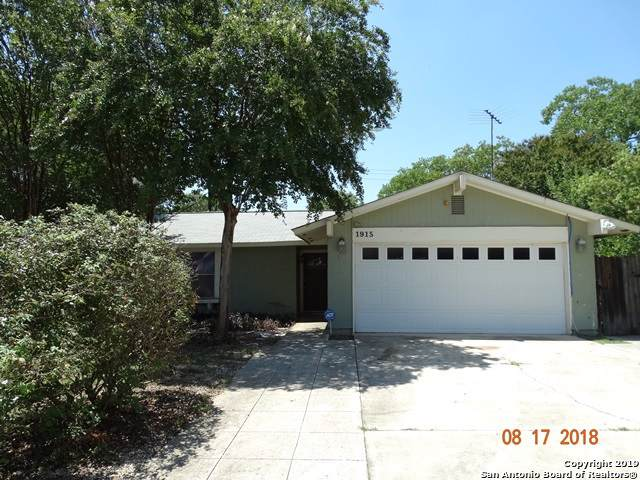 1915 Fort Donelson Dr, San Antonio, TX 78245 (MLS #1428074) :: Alexis Weigand Real Estate Group