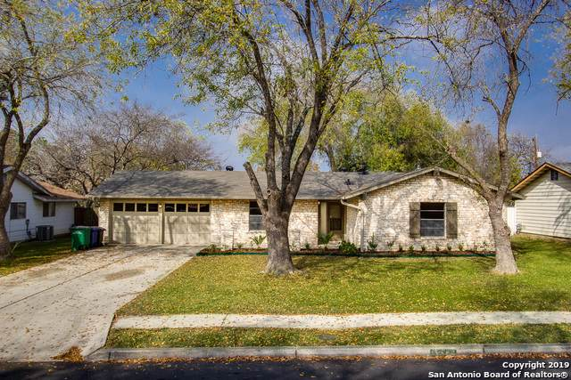 5227 Round Table Dr, San Antonio, TX 78218 (MLS #1428098) :: The Gradiz Group