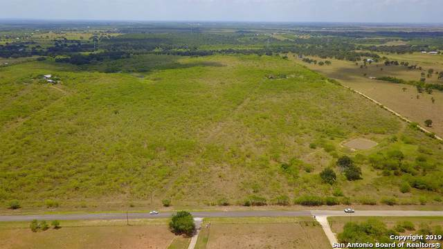 2720 Elm Creek Rd, Seguin, TX 78155 (#1428245) :: The Perry Henderson Group at Berkshire Hathaway Texas Realty