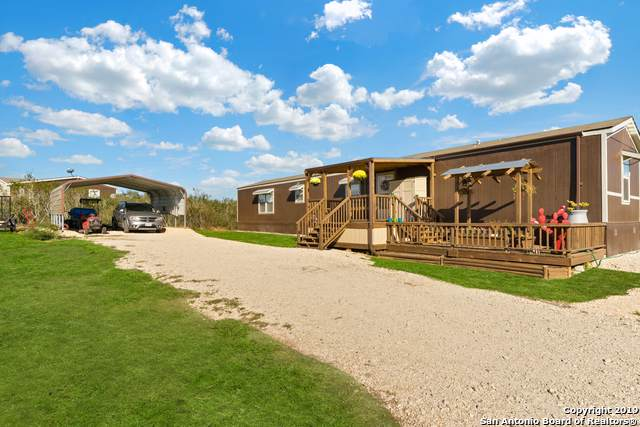110 County Road 2265, Devine, TX 78016 (MLS #1428272) :: Reyes Signature Properties