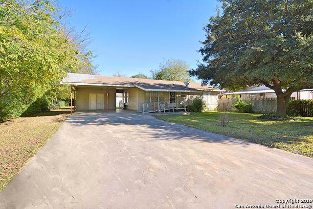 3170 Boon St, Seguin, TX 78155 (MLS #1428276) :: Jam Group Realty