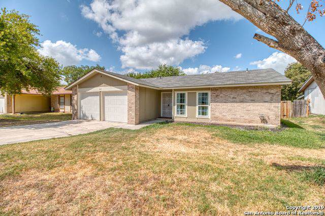 811 Saddlebrook Dr, San Antonio, TX 78245 (MLS #1428315) :: Alexis Weigand Real Estate Group