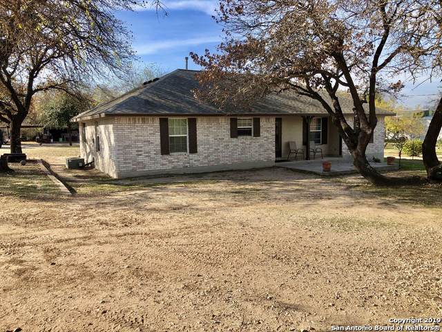 610 County Road 6850, Lytle, TX 78052 (MLS #1428355) :: Alexis Weigand Real Estate Group