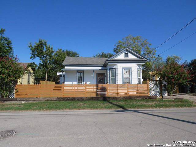 107 N Saunders St, Seguin, TX 78155 (MLS #1428420) :: Neal & Neal Team