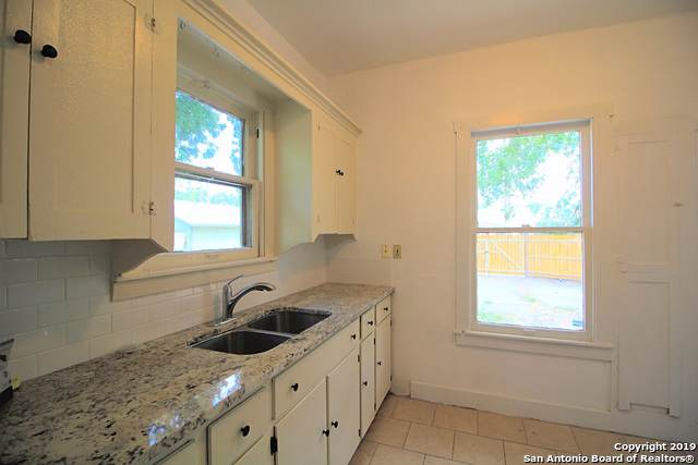 1409 W Magnolia Ave, San Antonio, TX 78201 (MLS #1428503) :: Carolina Garcia Real Estate Group