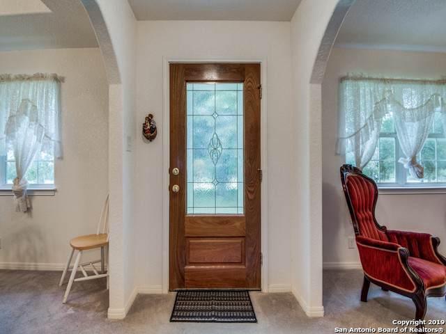 1005 Vista Verde, Adkins, TX 78101 (MLS #1428700) :: Reyes Signature Properties
