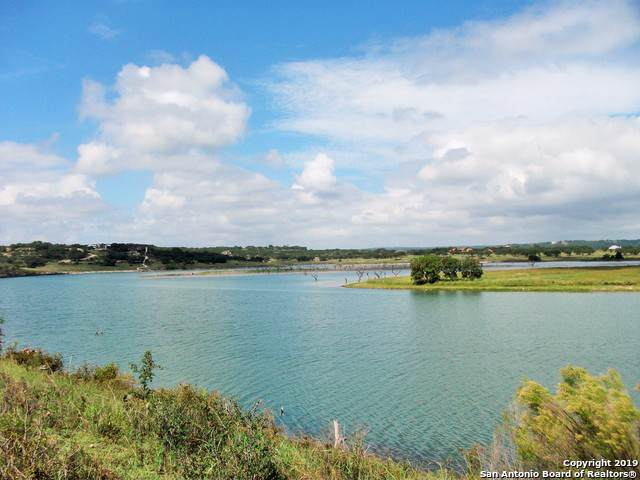 2022 San Jose Way, Canyon Lake, TX 78133 (MLS #1428748) :: Erin Caraway Group