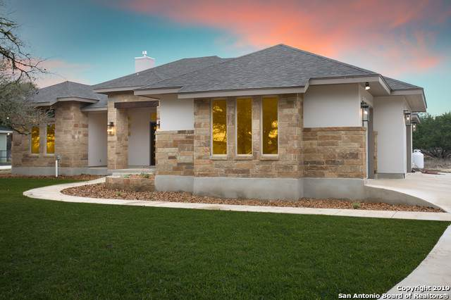 438 Hanging Oak, Spring Branch, TX 78070 (MLS #1429020) :: Berkshire Hathaway HomeServices Don Johnson, REALTORS®