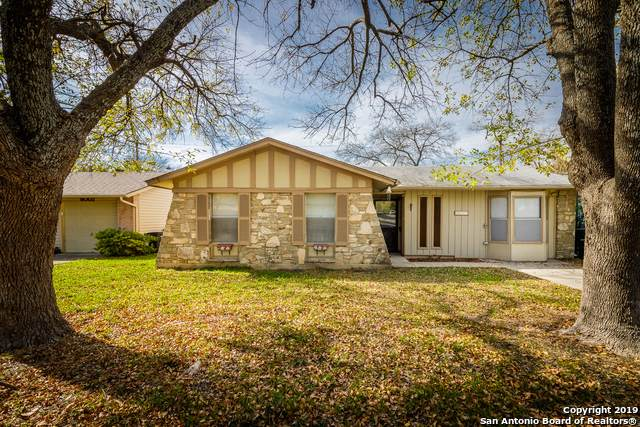 9011 Sundown Dr, San Antonio, TX 78217 (MLS #1429025) :: Neal & Neal Team