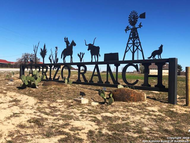 116 Carrizo Ranch Dr, Floresville, TX 78114 (MLS #1429047) :: Reyes Signature Properties
