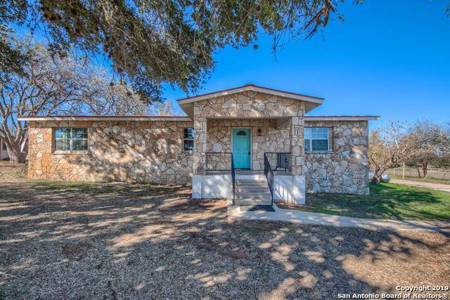 21757 Campbellton Rd, San Antonio, TX 78264 (MLS #1429081) :: Keller Williams City View