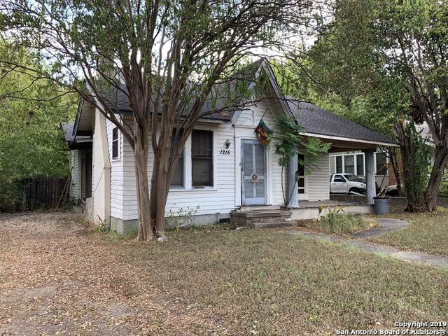 1215 W Mistletoe Ave, San Antonio, TX 78201 (MLS #1429094) :: Alexis Weigand Real Estate Group