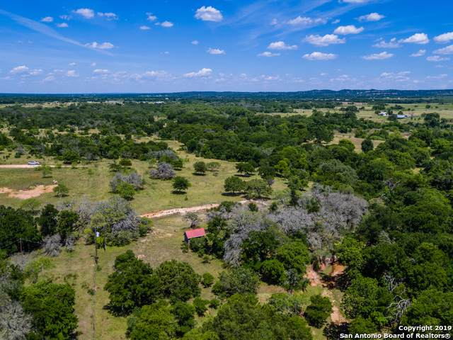 714 Prairie View Trail, Fredericksburg, TX 78624 (#1429232) :: The Perry Henderson Group at Berkshire Hathaway Texas Realty
