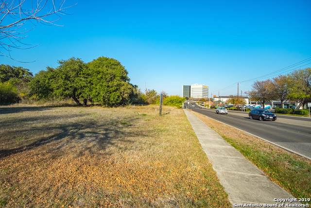 5305 Wurzbach Rd, Leon Valley, TX 78238 (#1429647) :: The Perry Henderson Group at Berkshire Hathaway Texas Realty