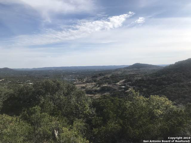 470 Mt Villa Rd, Pipe Creek, TX 78063 (MLS #1429814) :: The Gradiz Group