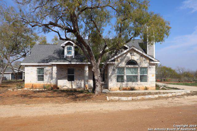 18610 Somerset Rd, Von Ormy, TX 78073 (#1429835) :: The Perry Henderson Group at Berkshire Hathaway Texas Realty