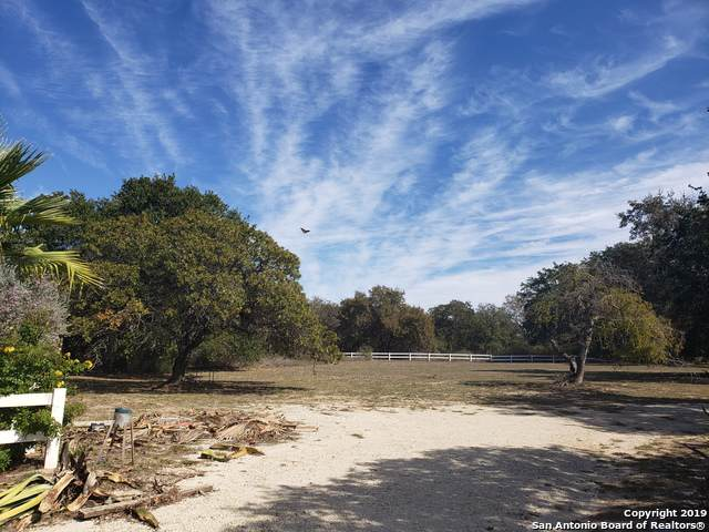 4302 Kings Ln, Von Ormy, TX 78073 (MLS #1430046) :: Tom White Group