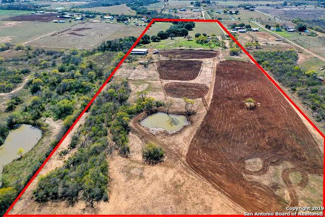 9945 Macaway Rd, Adkins, TX 78101 (MLS #1430332) :: Carolina Garcia Real Estate Group