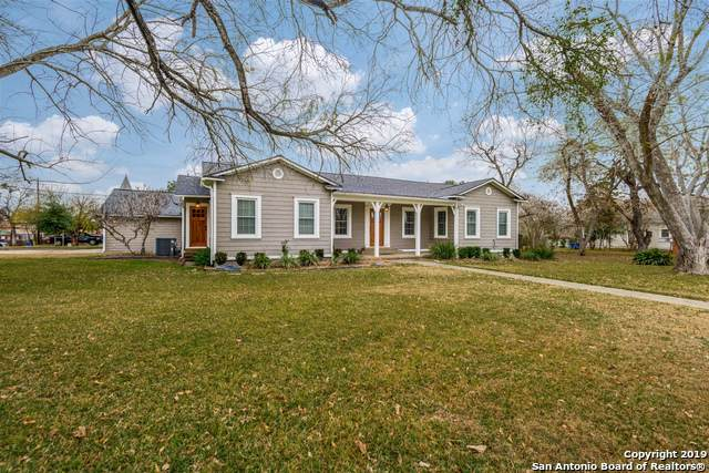 1502 1ST ST, Floresville, TX 78114 (#1430515) :: The Perry Henderson Group at Berkshire Hathaway Texas Realty