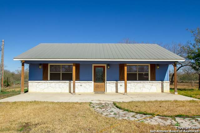 1138 State Highway 173, Bigfoot, TX 78005 (#1431099) :: The Perry Henderson Group at Berkshire Hathaway Texas Realty