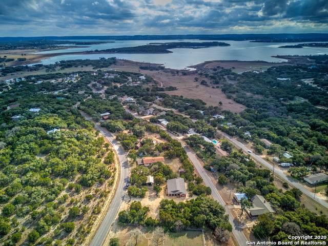 1124 Lake Bluff, Canyon Lake, TX 78133 (#1431123) :: 10X Agent Real Estate Team