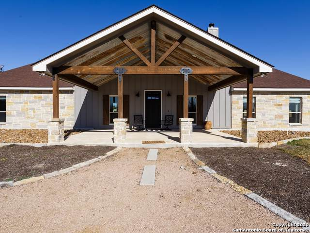 2540 Hartfield Rd, La Vernia, TX 78121 (MLS #1431230) :: Alexis Weigand Real Estate Group
