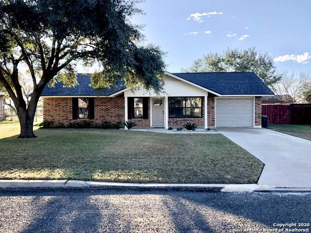 132 Plainview Dr, Poth, TX 78147 (MLS #1431342) :: BHGRE HomeCity