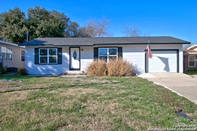 616 W Merriweather St, New Braunfels, TX 78130 (MLS #1431411) :: Reyes Signature Properties