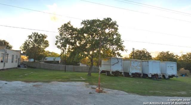 102 State Highway 123 N, Stockdale, TX 78160 (MLS #1431510) :: BHGRE HomeCity