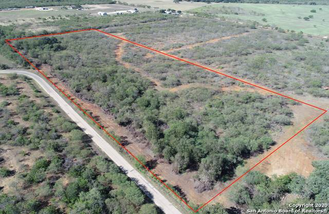 1063 County Road 102, Floresville, TX 78114 (#1431761) :: The Perry Henderson Group at Berkshire Hathaway Texas Realty