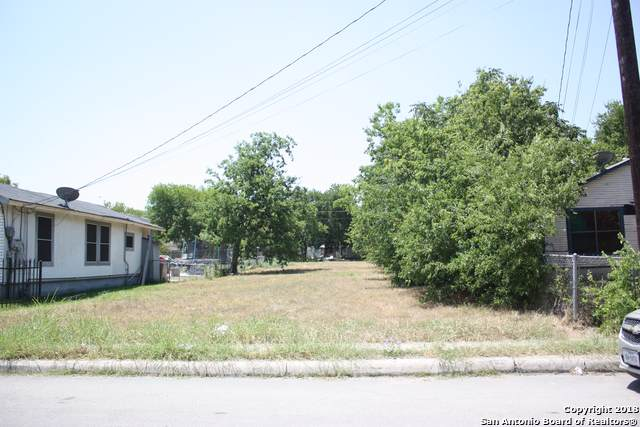 2614 W Poplar St, San Antonio, TX 78207 (MLS #1431833) :: BHGRE HomeCity