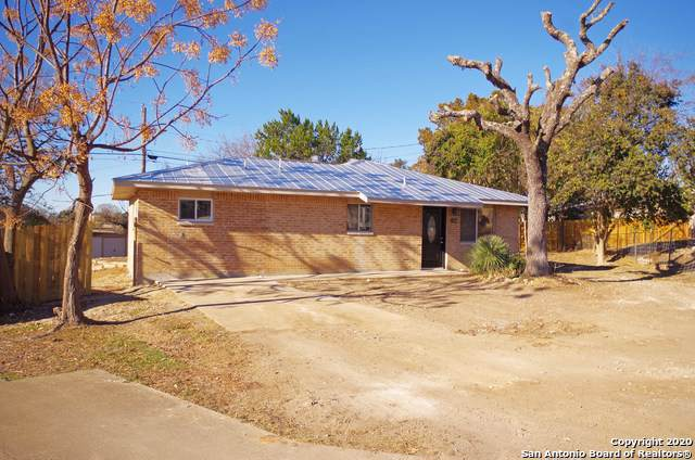 104 Live Oak Circle, Comfort, TX 78013 (MLS #1431985) :: NewHomePrograms.com LLC