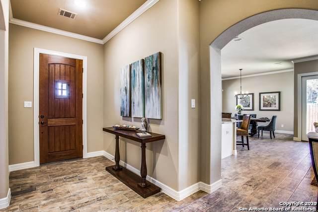 100 Round Springs, Boerne, TX 78006 (MLS #1432056) :: NewHomePrograms.com LLC