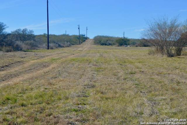 999 County Road 6753, Devine, TX 78016 (MLS #1432092) :: Alexis Weigand Real Estate Group