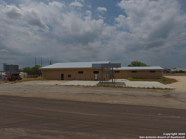 208 Recreation Road 8, Calliham, TX 78007 (MLS #1432201) :: The Gradiz Group