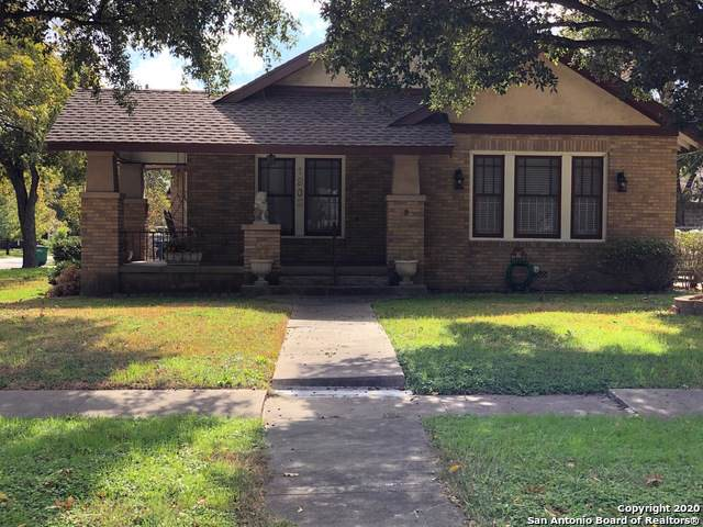 1902 W Gramercy Pl, San Antonio, TX 78201 (#1432252) :: The Perry Henderson Group at Berkshire Hathaway Texas Realty