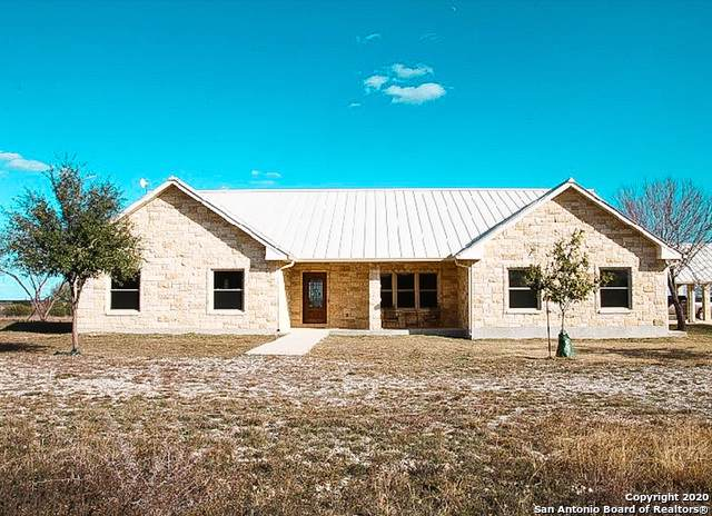 636 Cr 640, Hondo, TX 78861 (#1432411) :: The Perry Henderson Group at Berkshire Hathaway Texas Realty