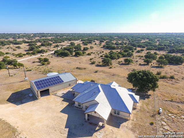 1303 Plateau Rd, Rocksprings, TX 78880 (MLS #1432902) :: Alexis Weigand Real Estate Group