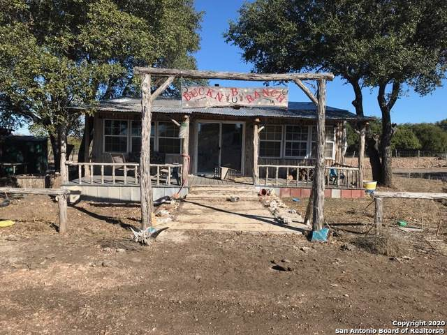 206 Bucking B Ranch Rd, Hunt, TX 78024 (#1433258) :: The Perry Henderson Group at Berkshire Hathaway Texas Realty