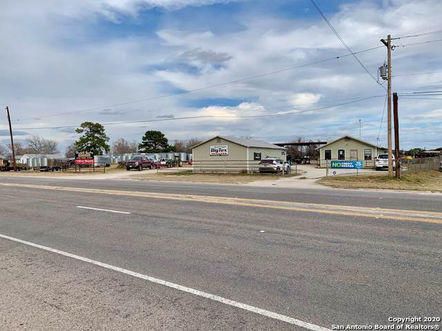 1910 2nd St, Pleasanton, TX 78064 (MLS #1433307) :: Exquisite Properties, LLC